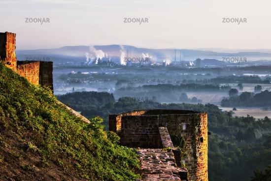 Blick von der Teufelsburg nach Dillingen, Saarland
