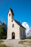 Alpini Kapelle San Maurizio auf dem Groedner Joch, Suedtirol