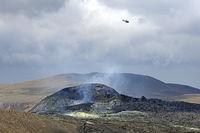 Helikopter über dem Fagradalsfjall