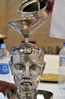 Spanien: Ritual der 'Kopfmesse' von Irache