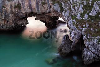 Spanien, Asturien: Playa Cuevas del Mar