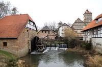 historische Ölmühle am Schloss Brake