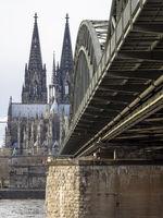 Hohenzollernbrücke und Kölner Dom - Köln am Rhein
