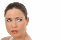 Portrait einer Frau mit rotem Lippenstift