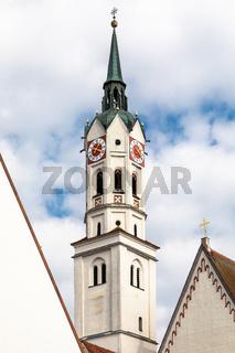 Turm der Stadtpfarrkirche Sankt Jakob in Schrobenhausen