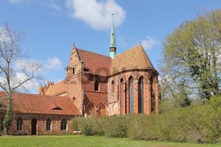Ehemaliges Kloster Chorin im Land Brandenburg, Chor mit Querschiff und Dachreiter, Ansicht von Südost