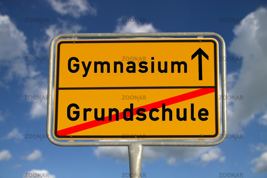 Deutsches Ortsschild Grundschule Gymnasium