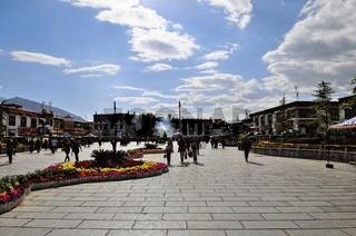 Barkor - Marktplatz mit Jokhang-Tempel  Lhasa Tibet