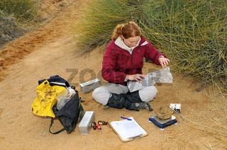 Zoologin bei Feldforschung, Südafrika