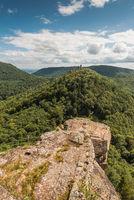 Pfälzerwald mit den Burgruinen Anebos und Scharfenberg, Rheinland-Pfalz, Deutschland