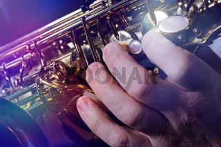 Saxofon und Haende 12a.jpg