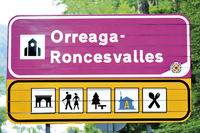Spanien: Ortsschild von Orreaga Roncesvalles