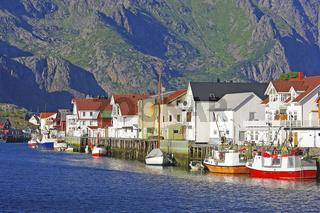 Der Fischereiort Henningsvaer
