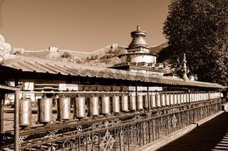 Klosteranlage Palkhor mit Tsuklahang-Tempel  Gyantse  Tibet China sepia