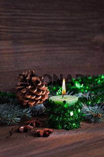 brennende Kerze zu Weihnachten