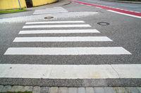 Zebrastreifen über eine Straße in Landsberg am Lech