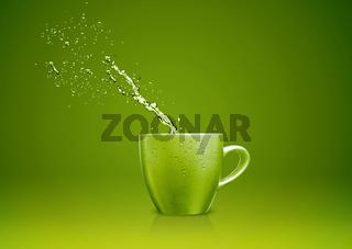 mug with water splashes