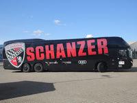 Mannschaftsbus mit Vereinslogo FC Ingolstadt 04 DFB  3.Liga Saison 2020-21