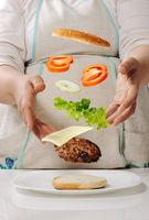 Making cheeseburger at home