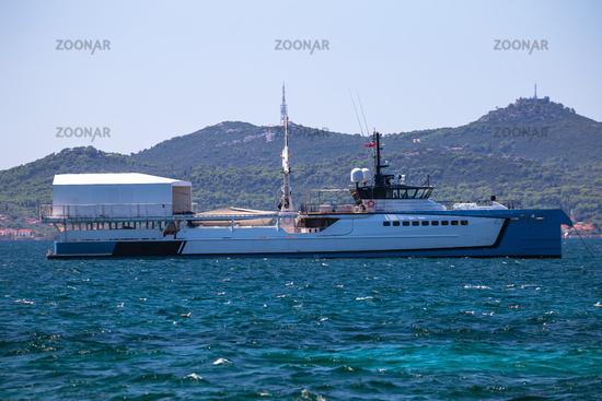 Power Play scientific boat in Zadar channel view