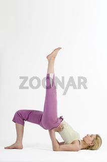 yoga bridge left close