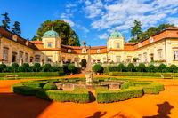 Schöne Dekoration im Hof von Buchlovice, Tschechische Republik