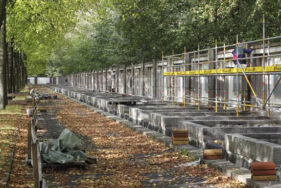 Restaurierung des Ehrenhains im Sowjetischen Ehrenmal in Berlin-Pankow