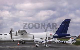 Das kleine und das grosse Flugzeug