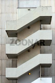 Hauswand mit Treppen in Berlin. Deutschland