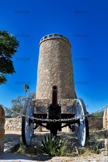 Der historische Franke-Turm in Omaruru, Namibia, ein nationales Denkmal | the historic Franke tower in Omaruru, Namibia, a national monument