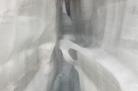 in einer Gletscherspalte in den Schweizer Alpen