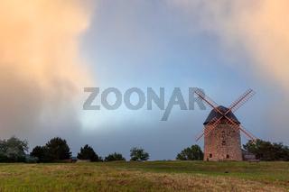 Teufelsmühle Windmühle Warnstedt Thale im Sonnenuntergang