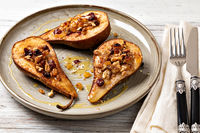 Sweet baked pears with honey