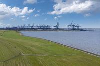 Luftaufnahme mit Eurogate Container Terminal bei Imsum