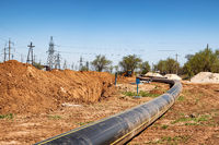 Installation of an underground process pipeline made of polyethylene pipes