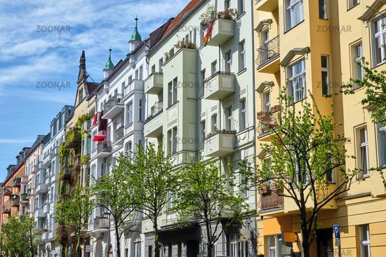 Bunte renovierte Altbauwohnungen