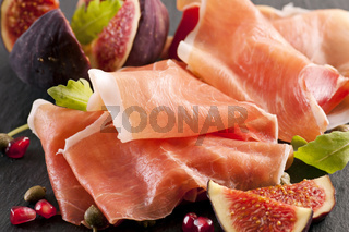 Prosciutto with figs and capers