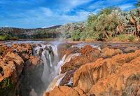 Abendlicht an den Wasserfällen Epupa Falls, Namibia, an der Grenze zu Angola | Warm light at the Epupa Falls, Namibia, near the border of Angola