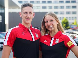 Schwimmer Lukas Märtens und Schwimmerin Celine Rieder SC Magdeburg bei Verabschiedung für Tokio Olympia 2021