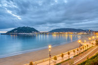 Blick auf den Strand La Concha in San Sebastian