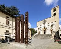 Todi Umbria Italy. Concattedrale della Santissima Annunziata. Cathedral. Piazza del Popolo. The statue