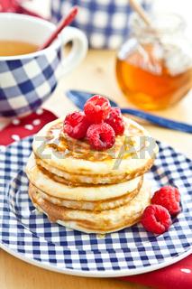 Pfannkuchen mit frischen Beeren