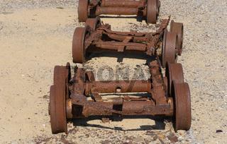 Überreste des Bergbaus in den Dünen von Piscinas