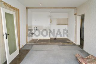 Renovierung von Zimmer mit Küche in alter Wohnung