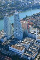 Basel, Roche Areal mit den stadtbildprägenden Hochhäuser