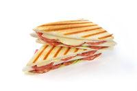 Toast mit Salami und Käse