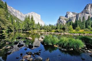 The huge granite monolith El Capitan