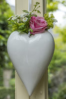 Herz mit Blumenschmuck