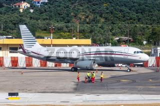 Qatar Amiri Flight Airbus ACJ320 Flugzeug Flughafen Skiathos in Griechenland