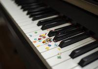 klavierkonfetti3.jpg
